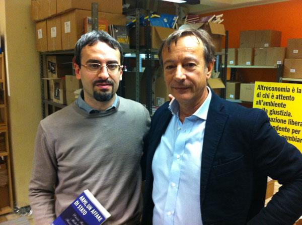 Con Riccardo Iacona (PresaDiretta Rai3) al termine dell'intervista per la puntata speciale sul mondo delle armi che andrà in onda a fine gennaio 2013)