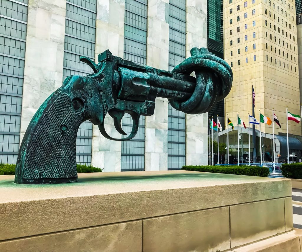 Knotted Gun Disarmament UN