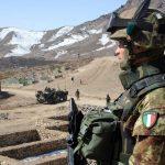Meno militari italiani in Iraq e Afghanistan, più truppe dispiegate in Niger
